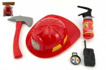 Hasičská sada helma/přilba + hasičák stříkací vodu plast