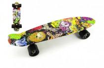 Skateboard - pennyboard 60cm nosnosť 90kg potlač farebný, čierne kovové osi, čierna kolesá