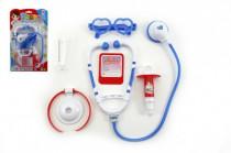 Sada doktor sa stetoskopom plast na karte